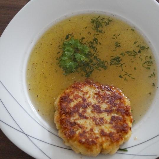 kasknoedel-mit-suppe