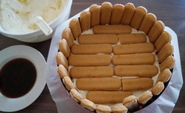 07 Zusammenbau der Torte Kopie