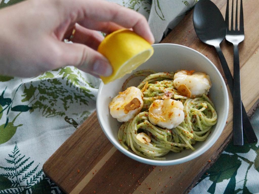 01_Pasta mit Avocado und Garnelen