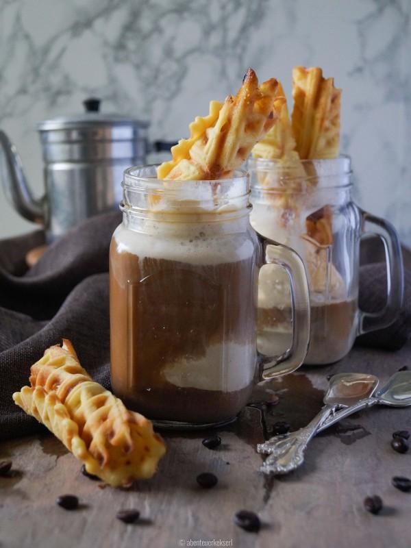 Eiskaffee mit Eiswaffeln (1 von 6)