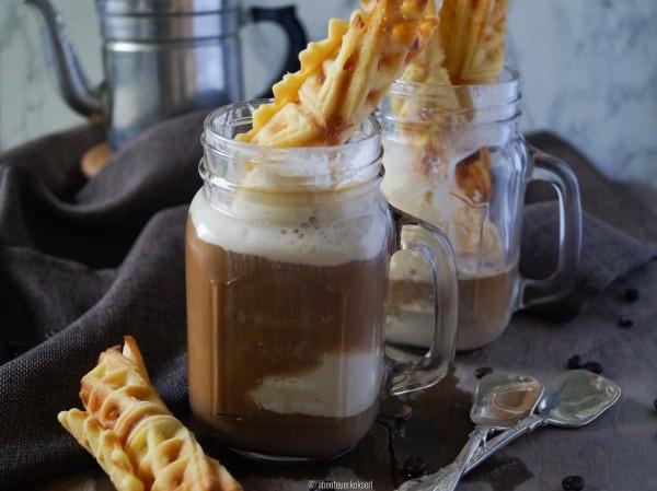 Eiskaffee mit Eiswaffeln (3 von 6)