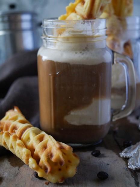 Eiskaffee mit Eiswaffeln (4 von 6)