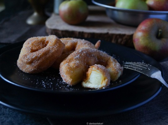 Tiroler Apfelradl (Apfelküchle)