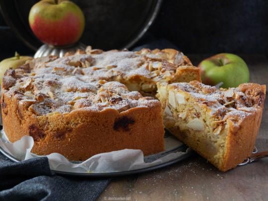 Gerührter Apfelkuchen
