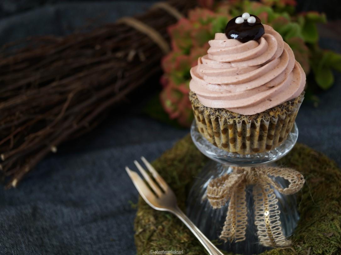 Mohn-Zwetschken Cupcakes (4 von 5)
