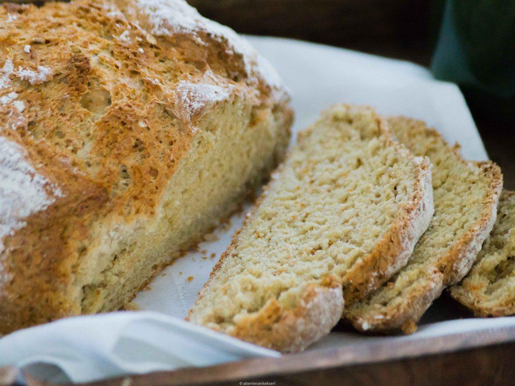 Schnelles Roggen-Joghurt Brot mit Dinkel