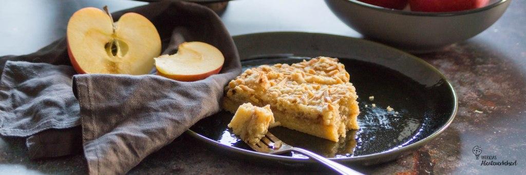 Schnelller Apfelmus-Streuselkuchen